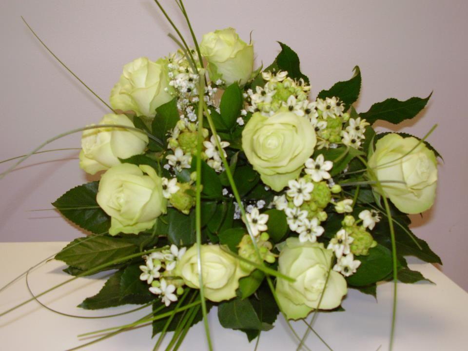 Kytica bielých ruží