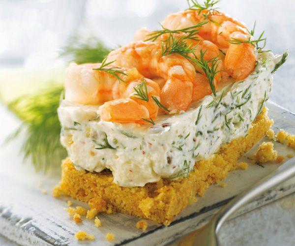 Préparez un cheesecake au fromage frais, crevettes et ...