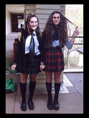 18 tv movie character diy halloween costumes for best friends gurlcom