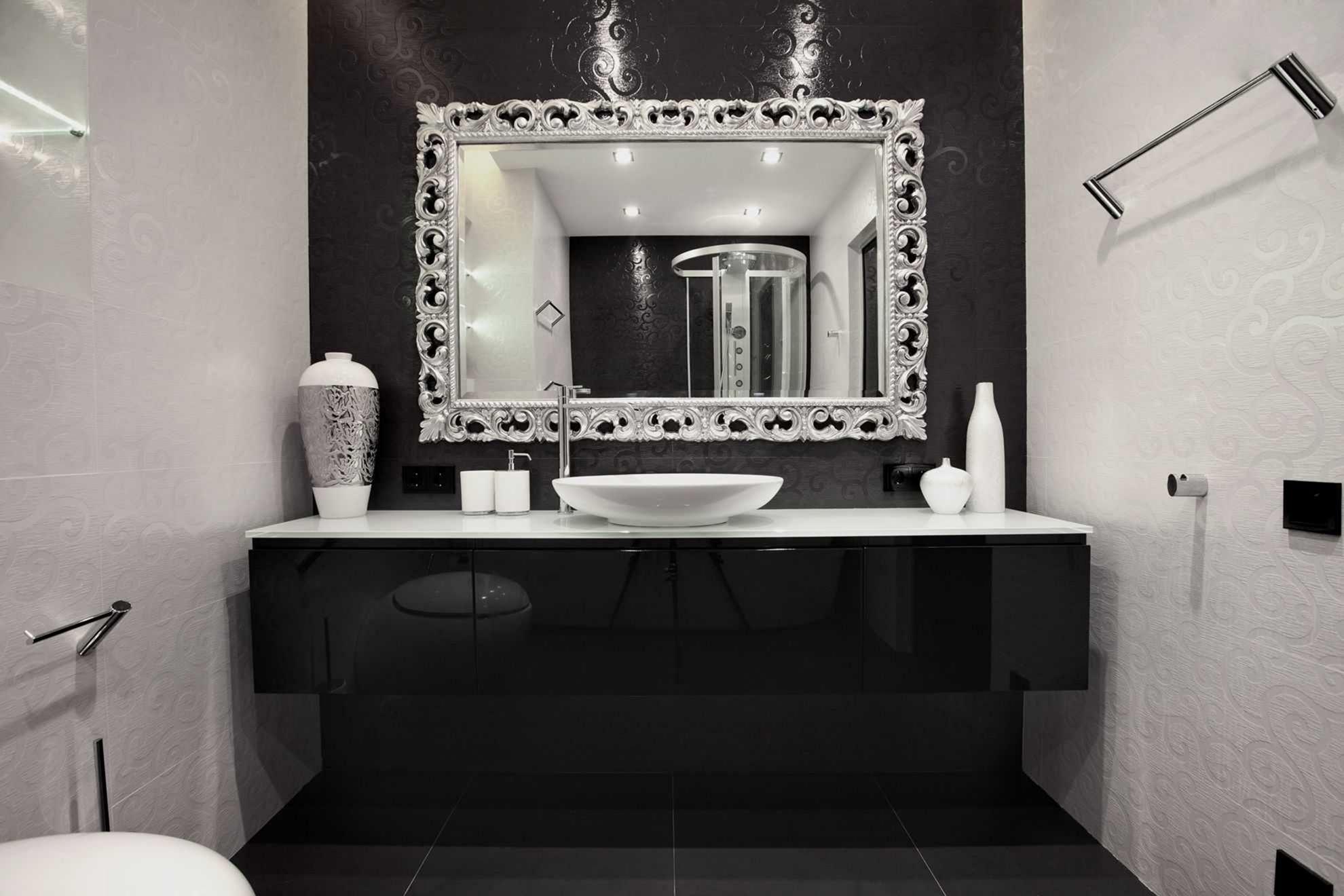 Awesome 20 Perfect Monochrome Color Home Decor Ideas For Your Inspirations Https Decoretoo Co Black Bathroom Decor White Bathroom Decor Black Vanity Bathroom