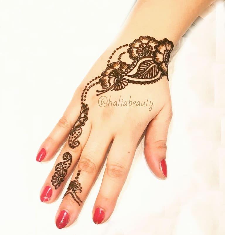 Pin By Kyra Shubin On نقش الحناء Henna Shop Henna Organic Henna