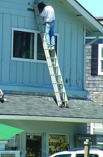 Pin By Seymour Jackson On Working At Height Fails Ladder Safety Fail Risk Management