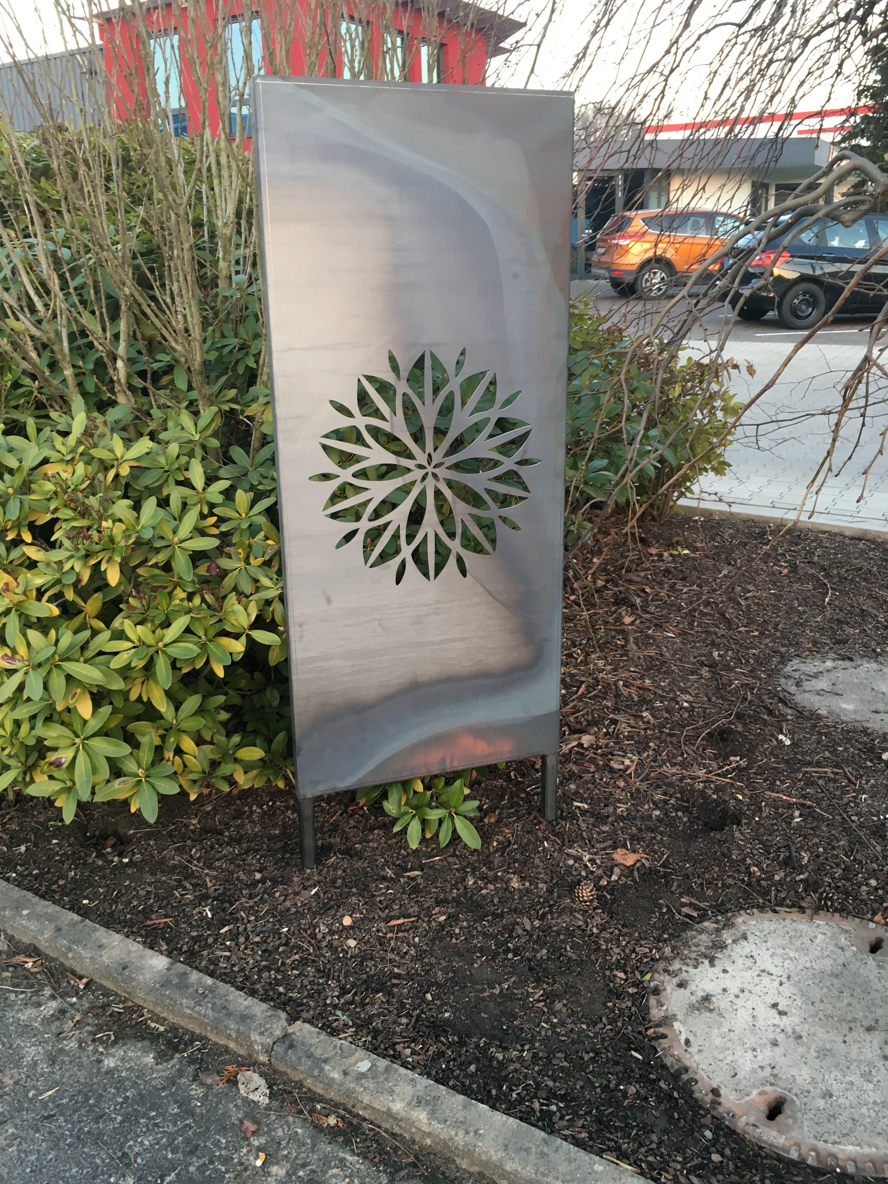 Sichtschutz Fur Den Garten Dekowand Mit Blume Aus Edelstahl