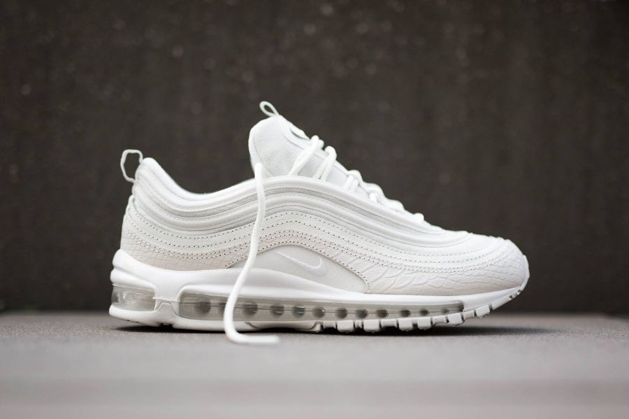nike air max 97 ultra '17 trainers in pearl dust white