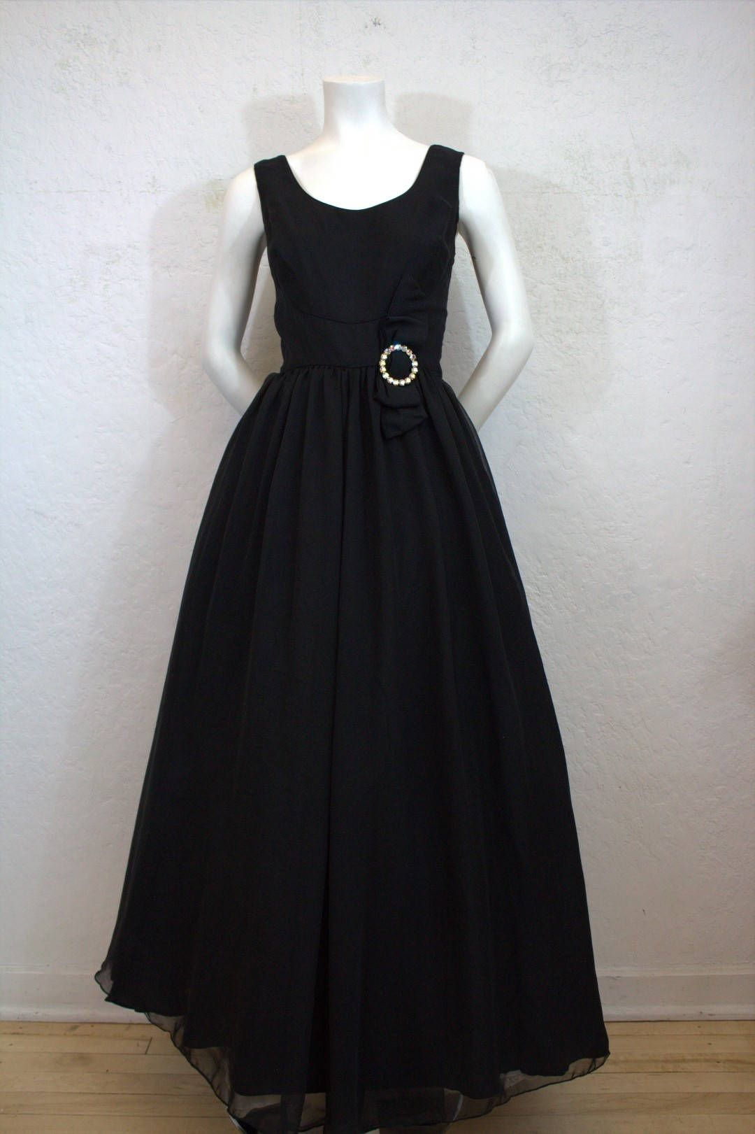 1960 S S Eisenberg Long Black Formal Dress Gown With Rhinestone Buckle On Bow Size 29 Long Black Dress Formal Formal Dresses Gowns Black Dress Formal [ 1621 x 1080 Pixel ]