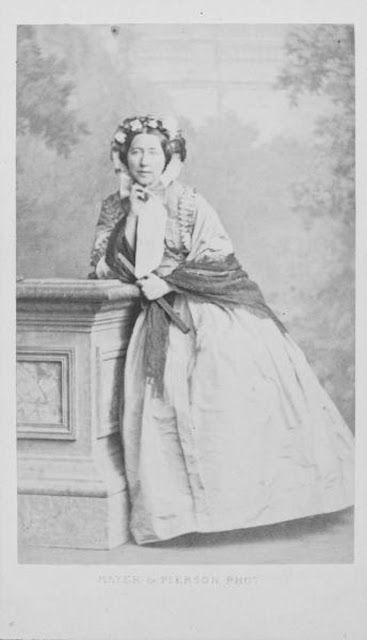 CDV: Delfina Potocka, 1854 | In the Swan's Shadow