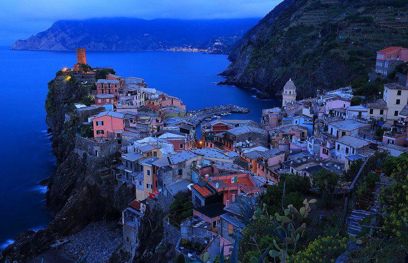 臨海小漁村 Small coastal Fishing Village ~Dawn @ Vernazza of the Cinque Terre 五鄉地(五漁村) ~   Fishing villages, Cinque terre, Vernazza