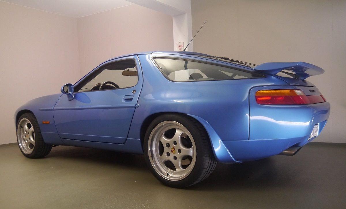 92 Gts In Tahoeblue Code L 37c Interieur Full Leather Light Grey And Carpets Are Classic Grey Porsche 928 Gts Porsche 928 Porsche