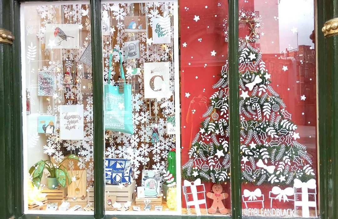 Have you seen handmadenotts Christmas window