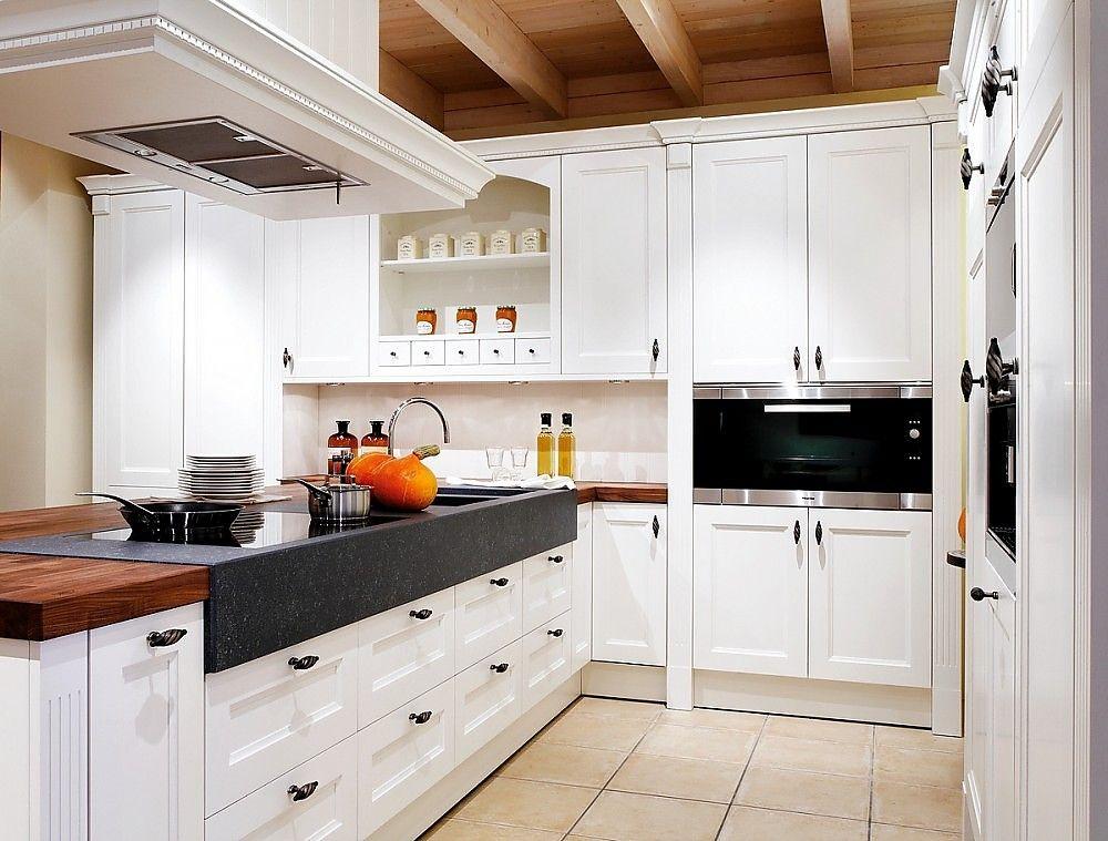 Inselkueche-Oxford-im-Landhausstil-in-Esche-weiss-lackiertjpg (1000 - küche landhaus weiß