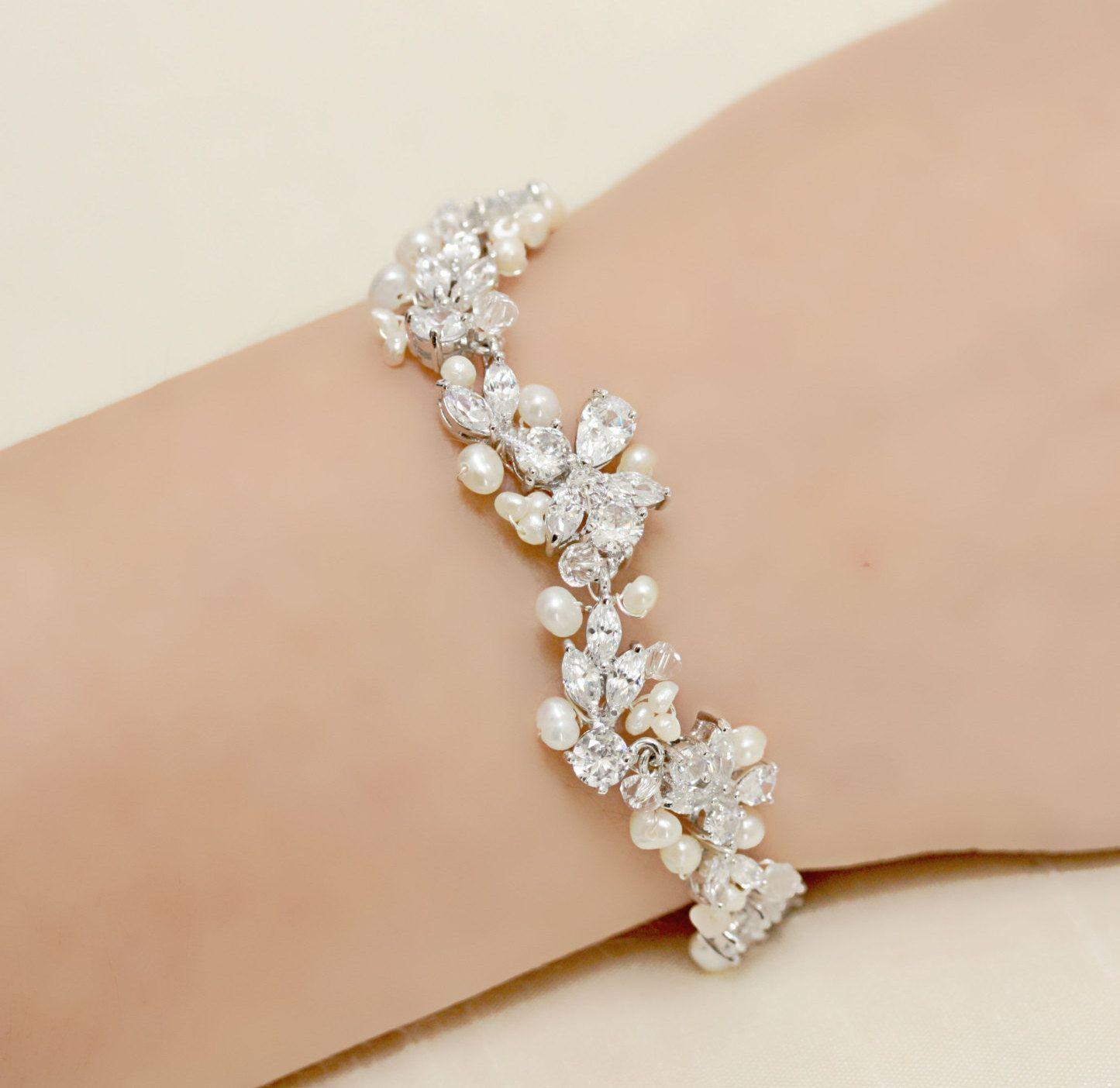 Delicate Wedding Jewelry Rhinestone Freshwater Pearl And Swarovski Crystal Bridal Bracelet