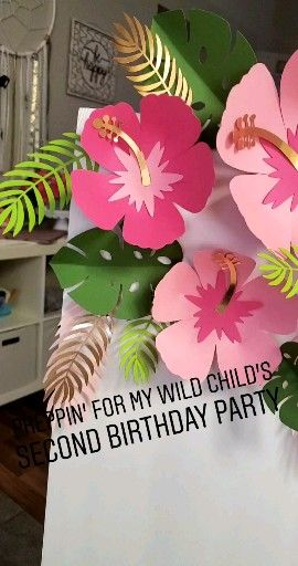 Tropical hibiscus flowers and leaves, free paper flower template, pink and gold Hawaiian party