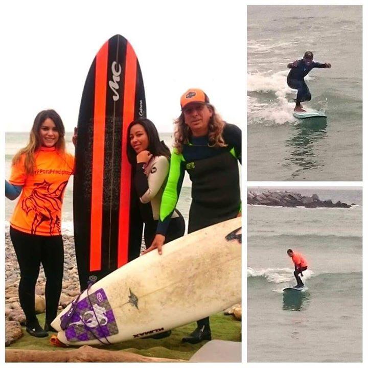 La de hoy en Instagram: Celebrando fiestas patrias de la mejor forma en la playa surfeando! #surf #Lima #Peru #learntosurf #surfinglessons #EndlessSummer #Miraflores #Makaha #beachlife #surfisfun #surfergirls - http://ift.tt/1K8gmug