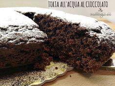 Torta all'acqua al cioccolato - Molliche di zucchero