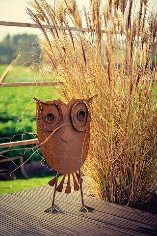 Gartenfiguren - Eule mit Hufeisen Edelrost 45 cm. - ein Designerstück von Rostathome bei DaWanda
