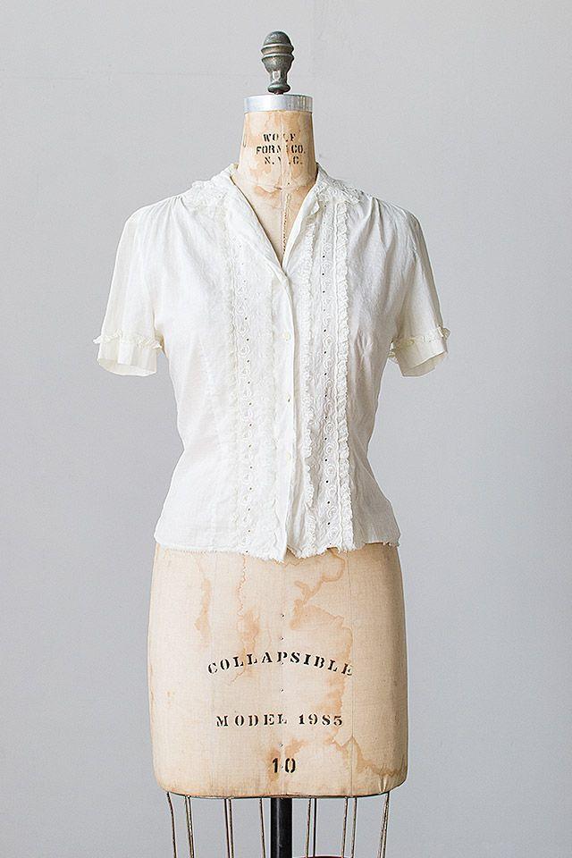 8e2a5aca717967 vintage 1940s white cotton eyelet lace blouse