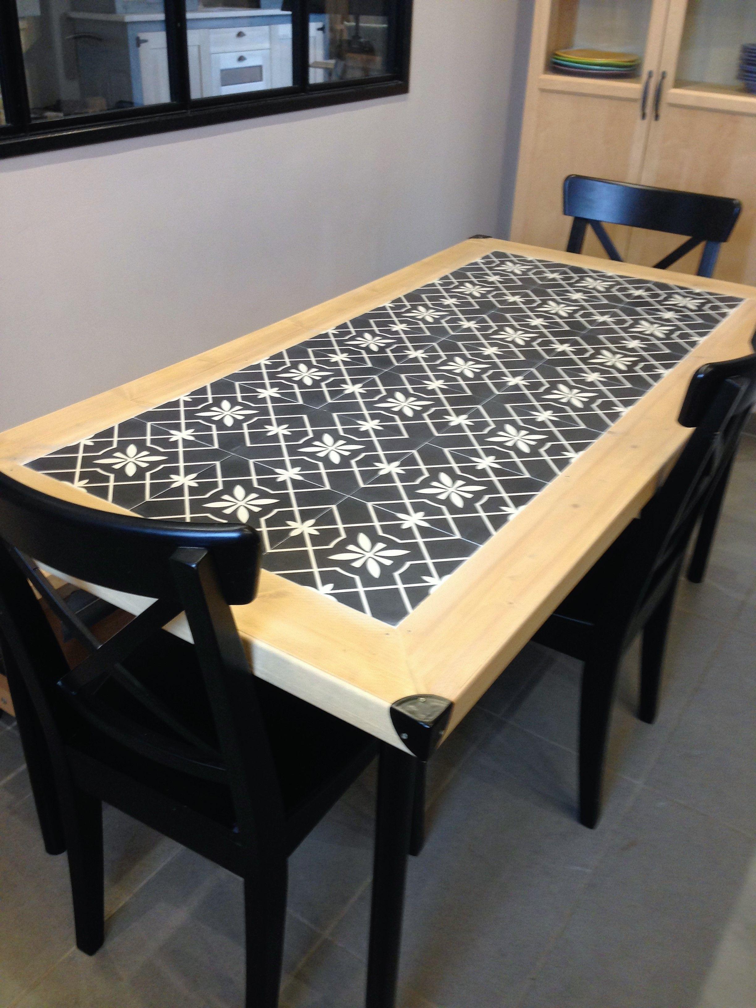 bois et carreaux de ciment pour la table de cuisine | table ...