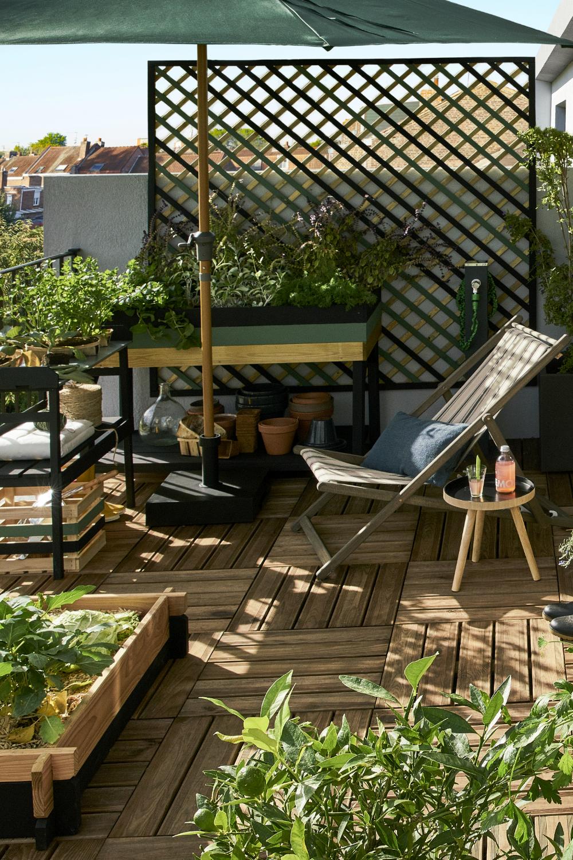 Un Vrai Potager Sur Le Balcon En 2020 Design Terrasse Couverte Idees De Patio Creation De Terrasse