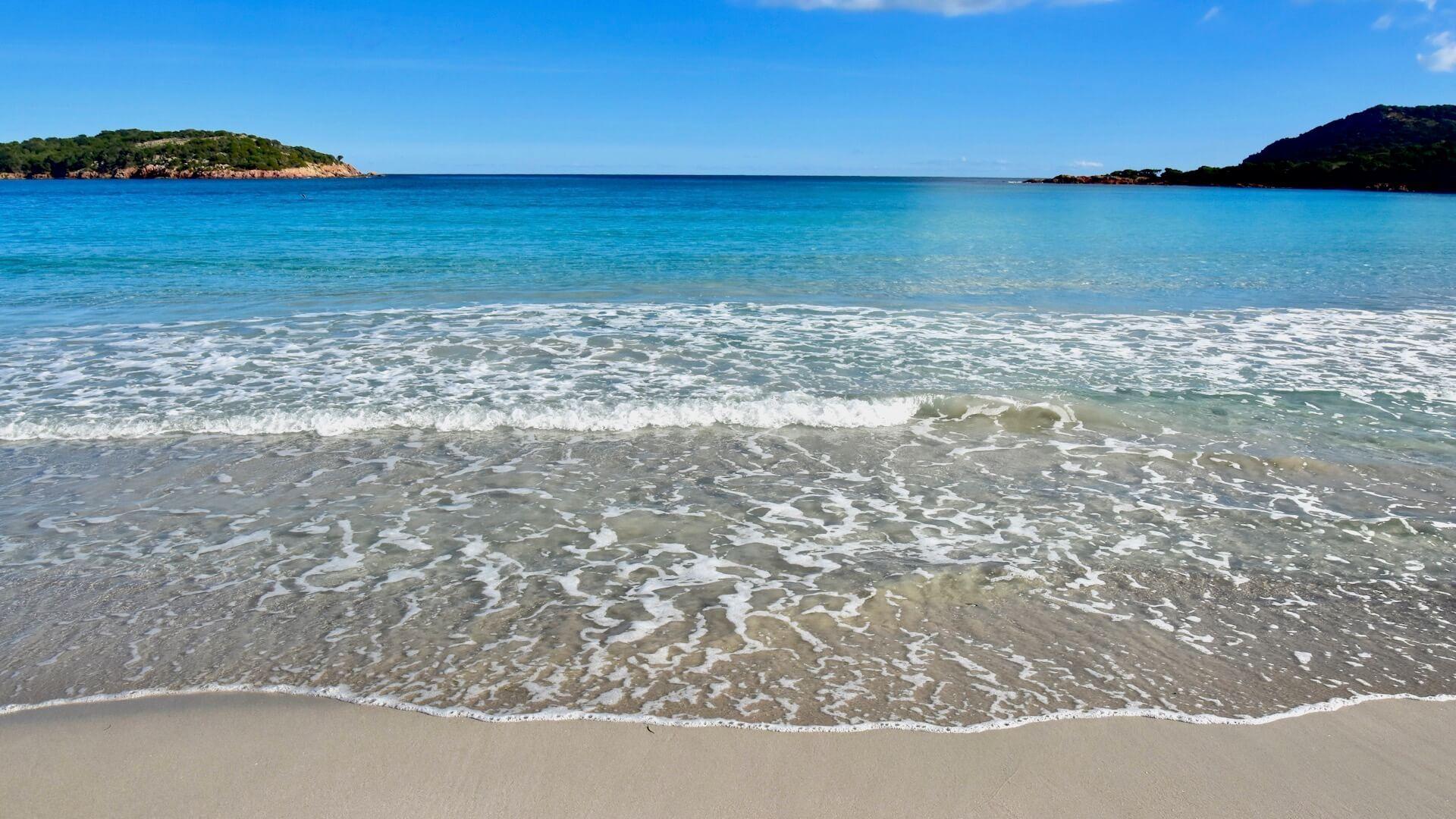 La Plage De Rondinara En Corse Du Sud Corse Du Sud Corse Plage Paradisiaque