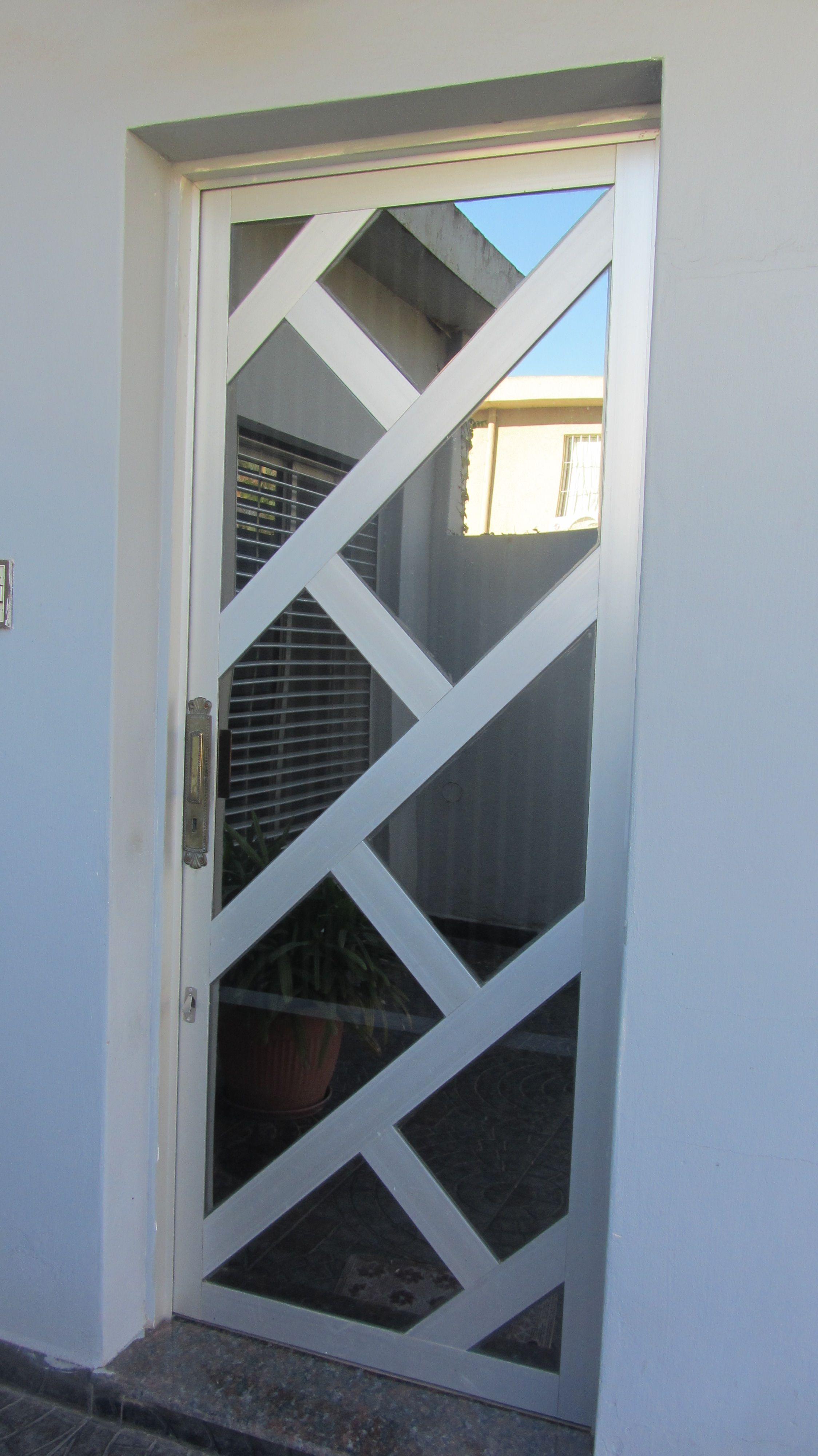Resultado De Imagen De Puertas En Aluminio Y Vidrio Door Design Exterior Double Front Doors Iron Doors