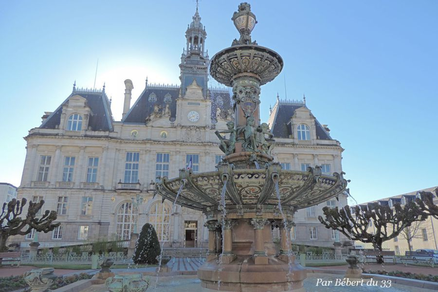 Limoges, Haute Vienne, Dept 87.Fountain in front of the Hotel de Ville created by Charles Genuys, in porcelaine, bronze and granite, between 1892 and 1893.