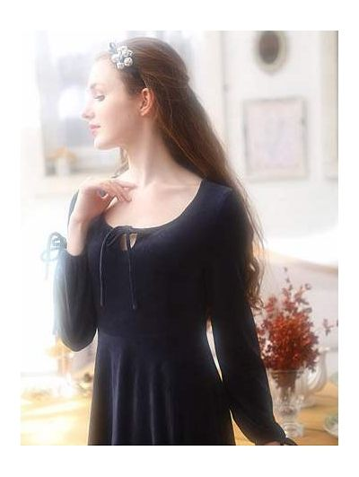 Simple Velvet Long Sleeves Medieval Chemise Dress  80a7ed993