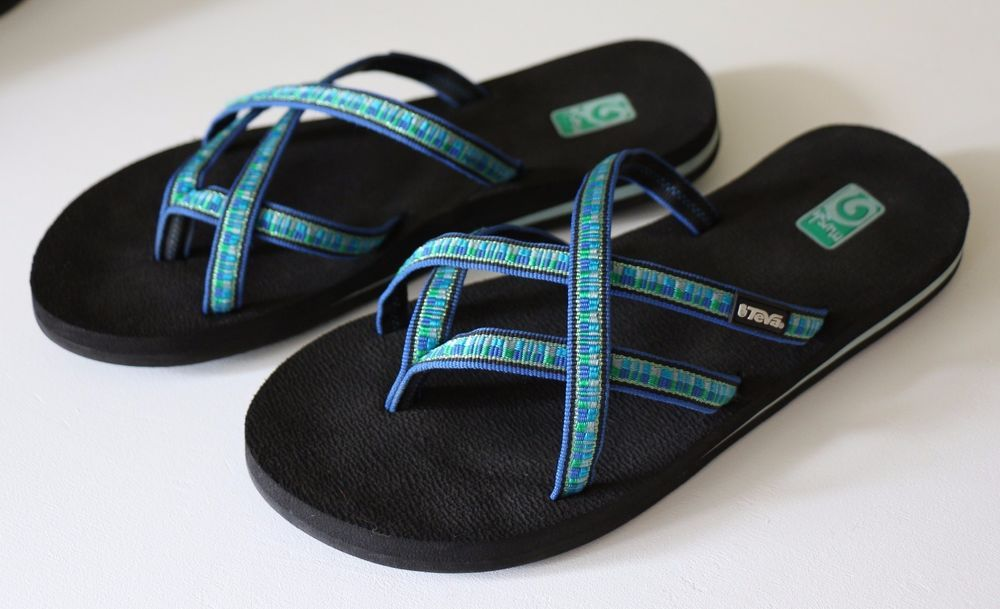 40f236fb58812 TEVA Mush Sandal OLOWAHU Strappy Flip Flop Black Blue Women s 9  45 Textile  EUC…