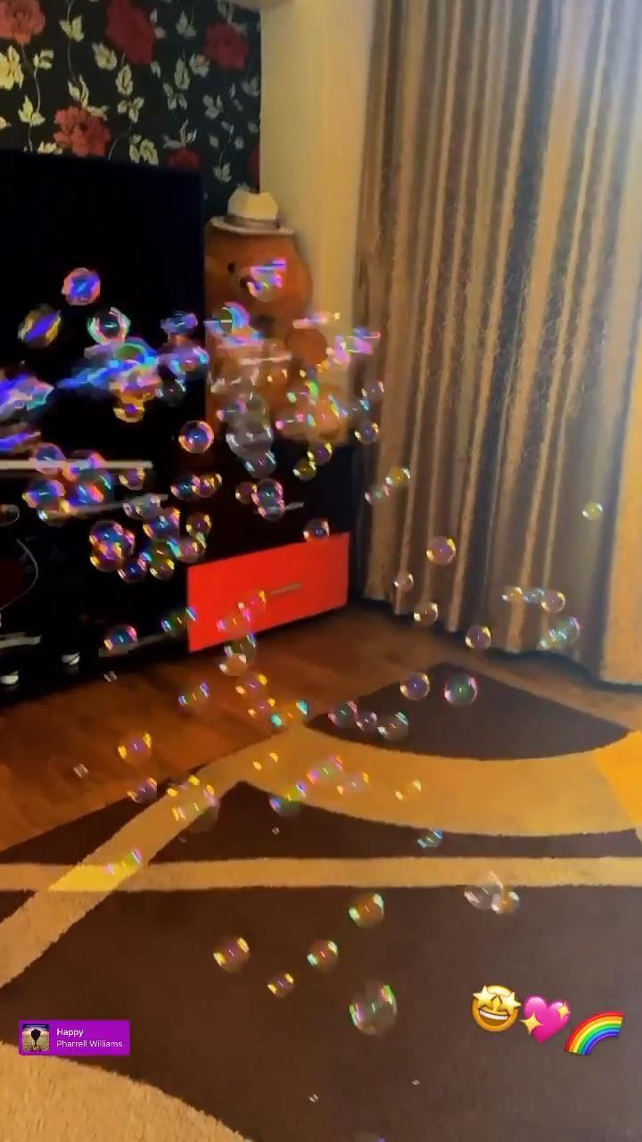 #happy #happykid #soapbubble #havefun #rainbow