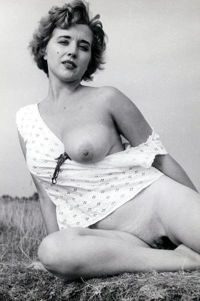 Bollywood actress nude photo