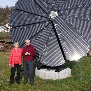Smartflower Pop All In One Solar Solution Without Extensive Installation Plug Play Efficient Energy Energia Solar Calefaccion Solar Generador De Hidrogeno