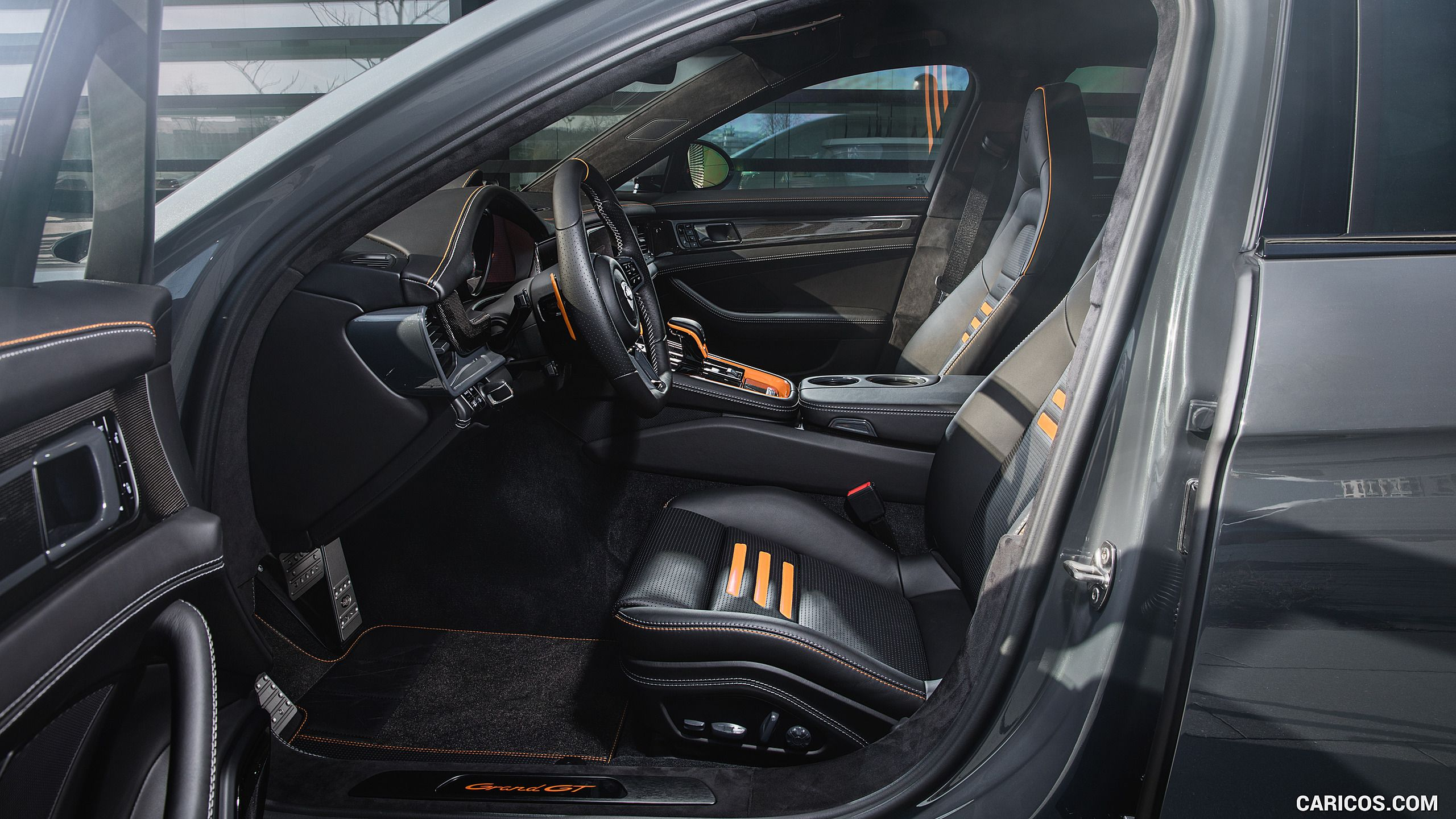 2017 TECHART GrandGT Porsche Panamera