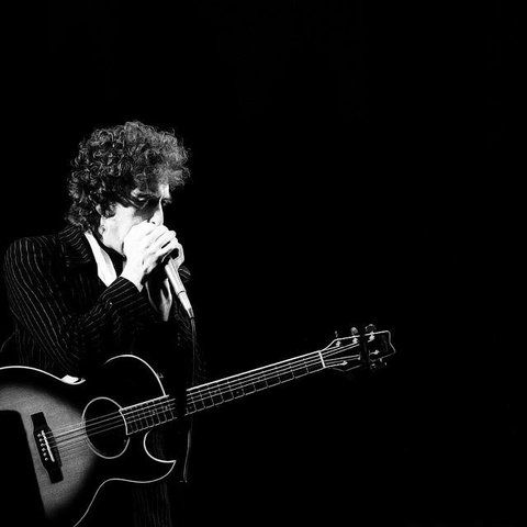 Jesus Castro uploaded this image to 'Bob Dylan'.  See the album on Photobucket.