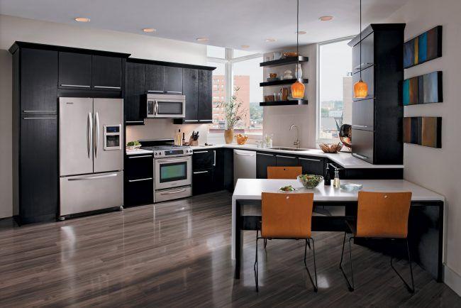 Armarios De Comedor | Armarios De Cocina En Color Negro Con Electrodomesticos Plateados