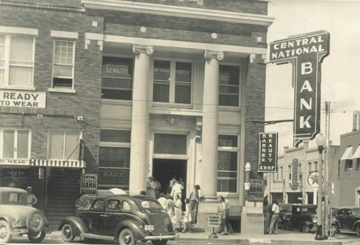 Central National Bank With Images Banks Building Downtown