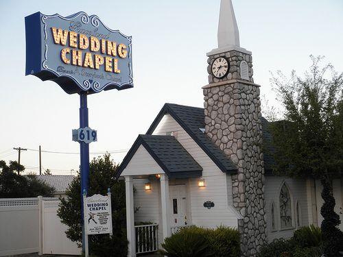 Graceland Wedding Chapel Las Vegas Wedding Chapel Las Vegas Weddings Las Vegas