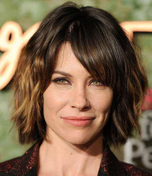 This Ombre Bob Hair Is Defined With Long Bangs And She Looks - Bob hairstyle define