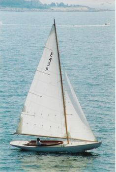 Herreshoff Gallery Viewer In 2020 Sailing Yacht Wooden Sailboat Classic Sailing