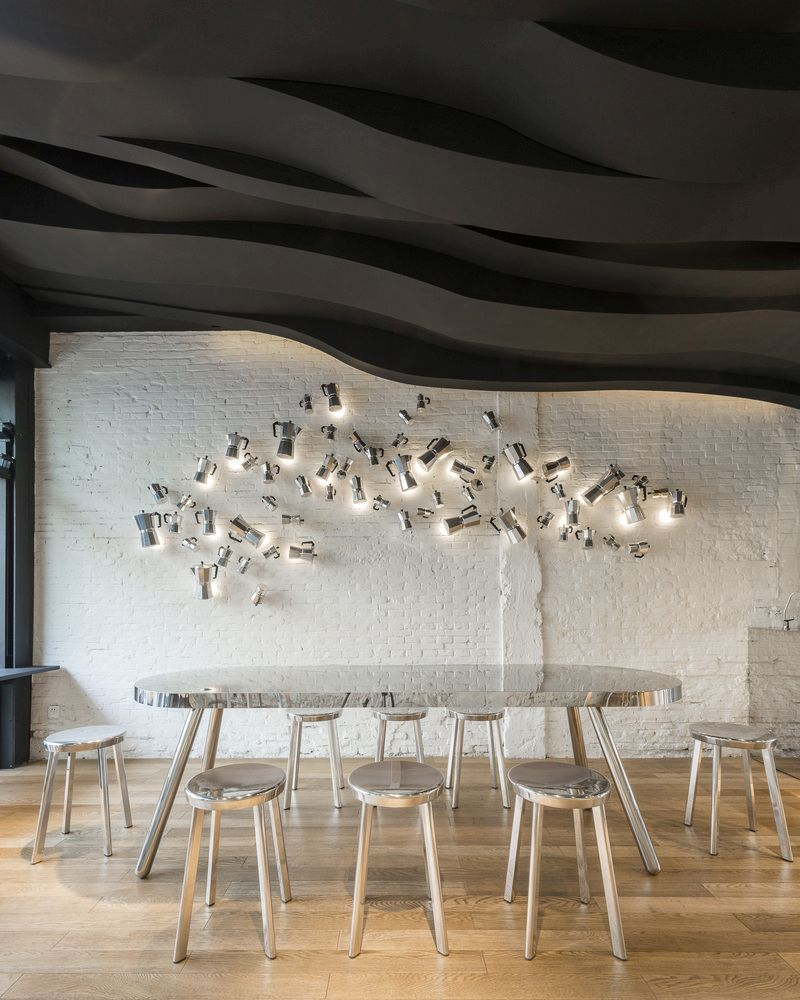 das cafe aroma ubersetzt in ein skulpturales design in shanghai mobel ggmagazine ideat