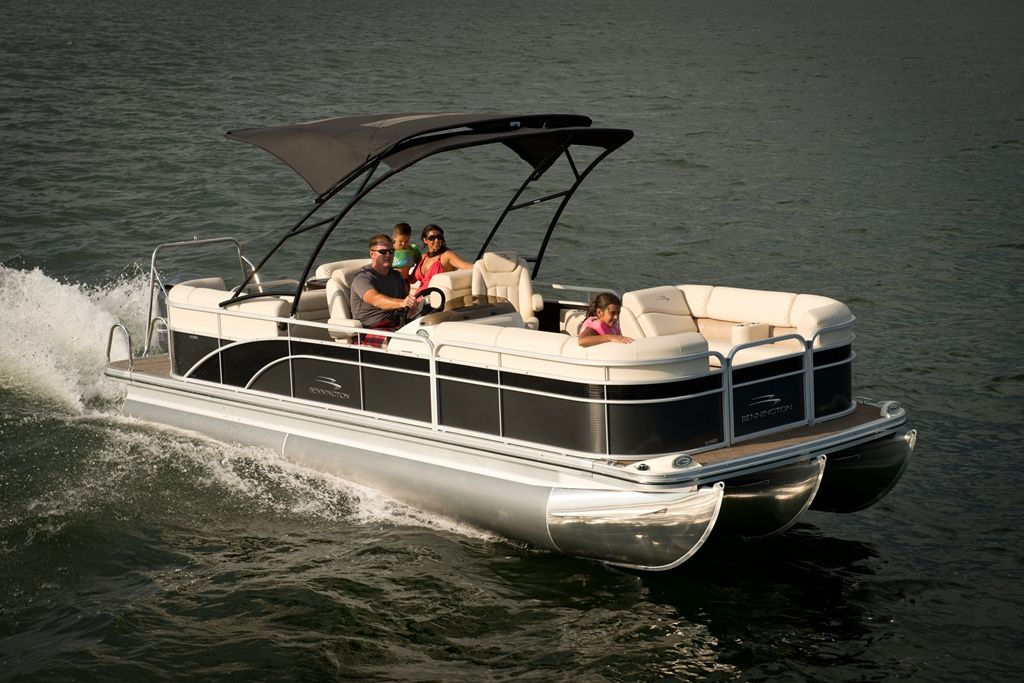 Whitesmarine Com Bennington 24 Ssrx Whitesmarinecenter Teamwhitesmarine Bennington Benningtonmarine Pontoon Boat Boating Luxury Lifestyle Boatlife Bat