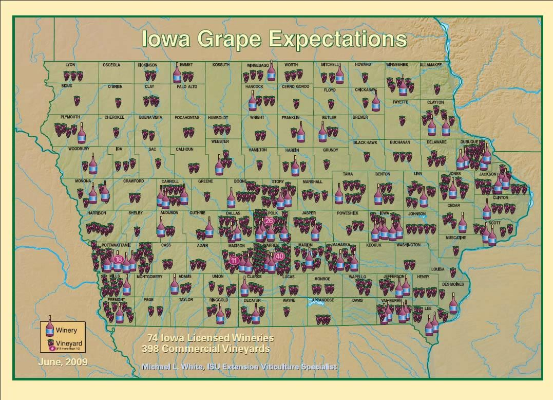 Iowa Map Showing The Major Travel Attractions Including Cities