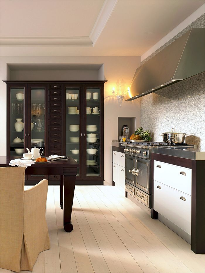 SieMatic kitchen - love the two-toned inset drawer units around ... | {Moderne landhausküche siematic 56}