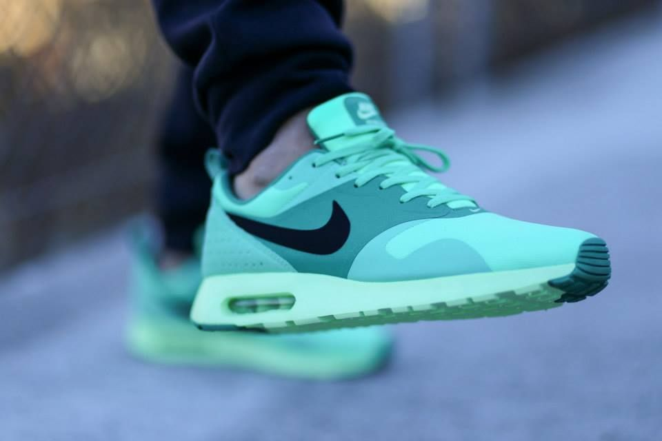 Nike Air Max Tavas Green Glow UK At present the hottest Nike style, free  mail, absolutely authentic.