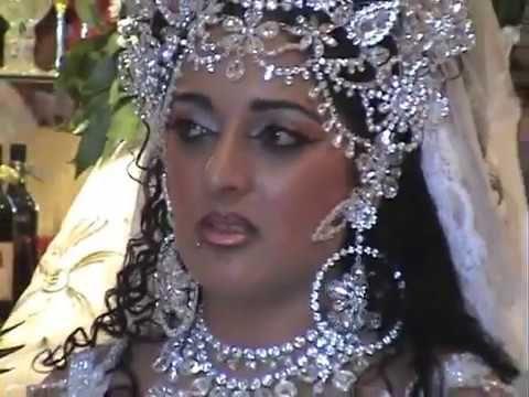 Boda Gipsy King : Raquel y noemí así son las reinas del brilli brilli en los gipsy