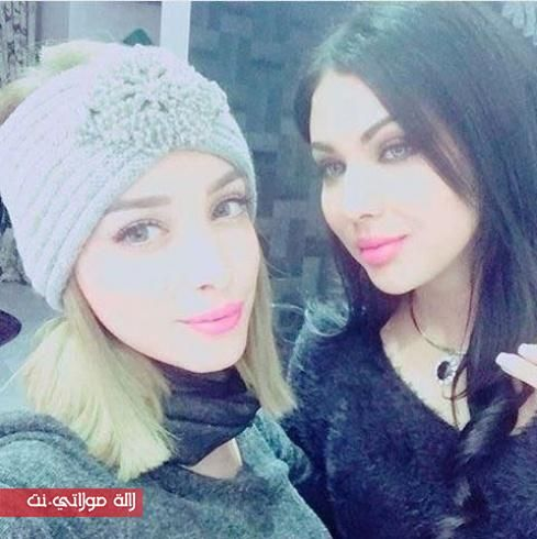 بالصورة ابتسام تسكت مع بسمة بوسيل في بيتها مجلة لالة مولاتي نت Majalat Lalamoulati Net Winter Hats Crochet Hats Alger