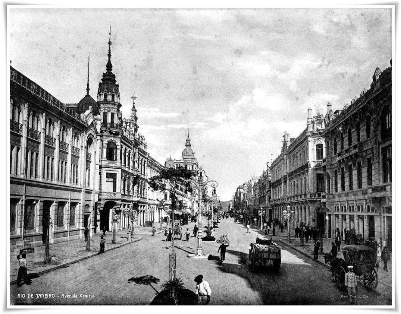 Avenida Central(atual Rio Branco) em 1908. Foto de Marc Ferrez. Acervo Biblioteca Nacional