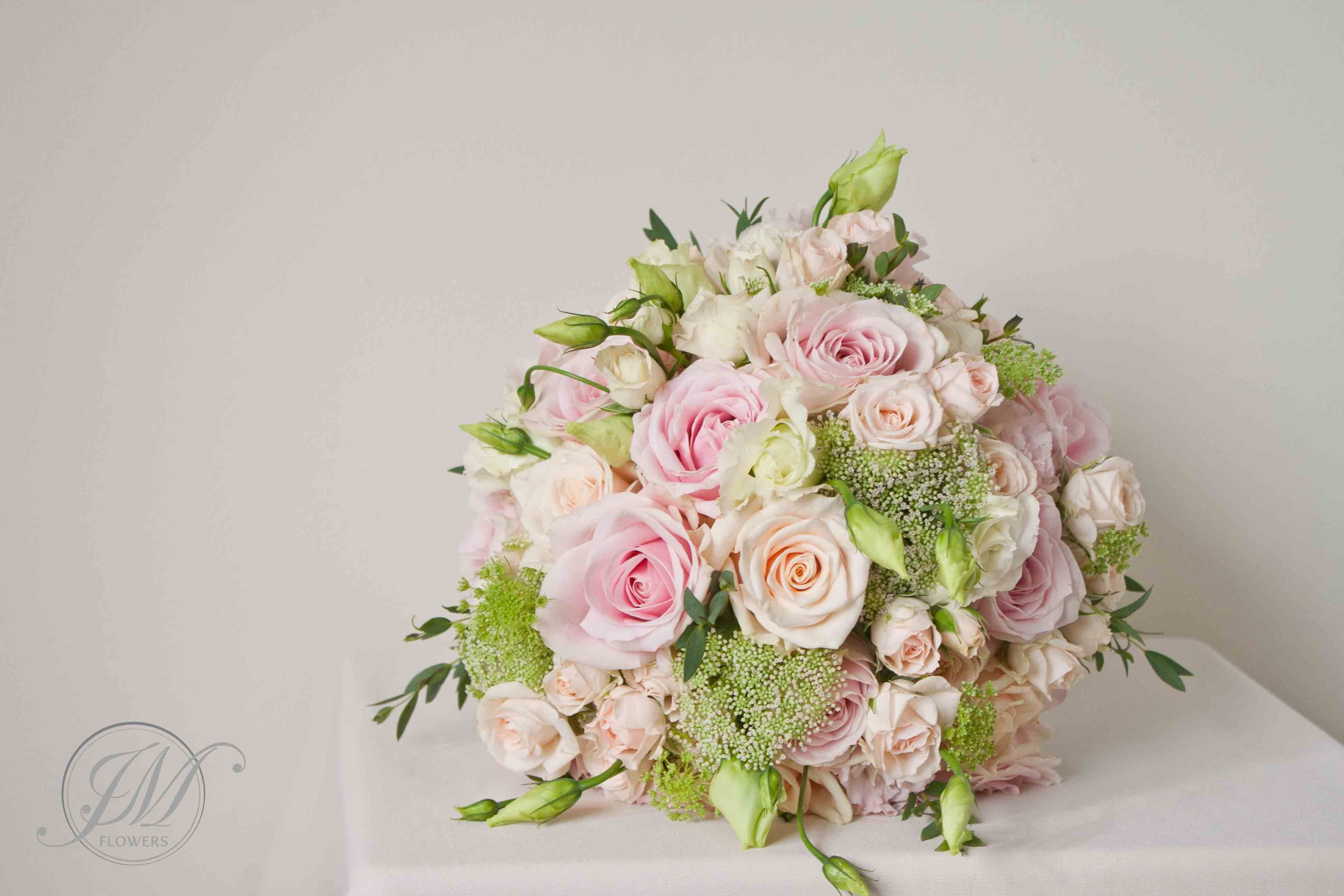 Pale pink and soft peach Bridal Bouquet. Summer wedding. Pastel pink ...