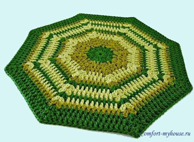 вязаный восьмигранный коврик