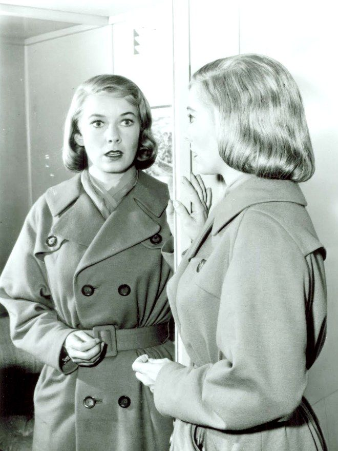 Mirror Image Twilight Zone Twilight Zone Episodes Twilight