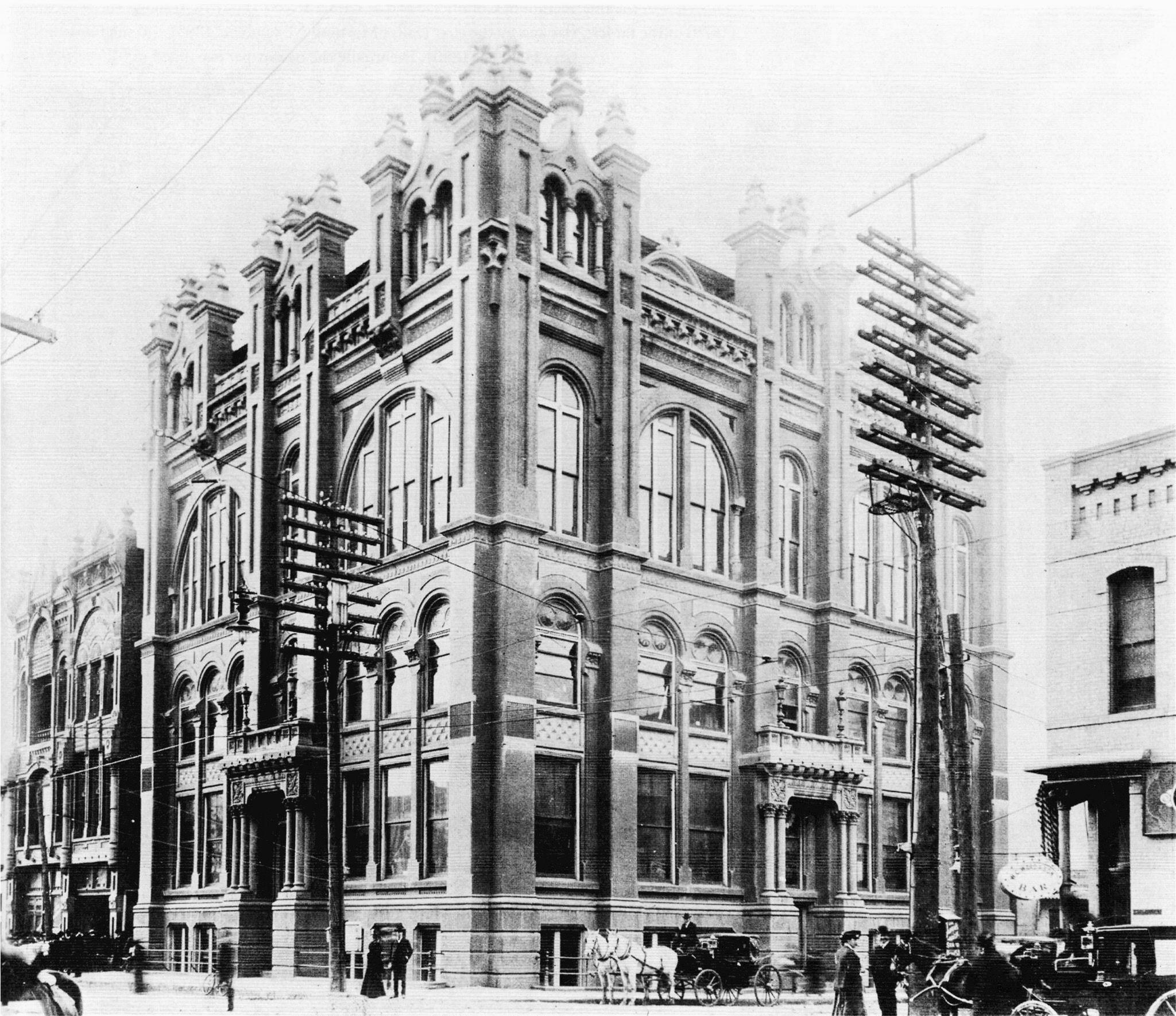 Dallas City Hall was a turnofthecentury architectural