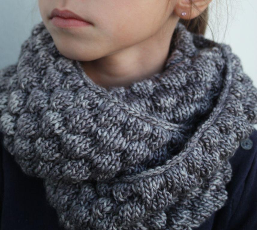 2839b0aaefc7 tricoter un snood aiguille 10   шарфики   Pinterest   Tricot crochet ...
